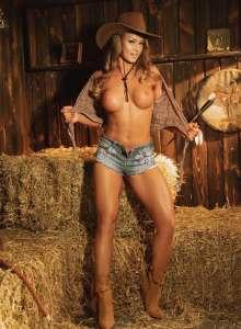 Rita Sunrise Fitness Model